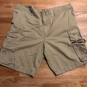 Men's cargo shorts size 46